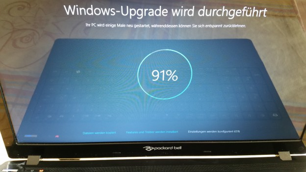 windows 10 update erfahrungen was tun wenn 39 s klemmt oder ewig dauert bastel reparatur blog. Black Bedroom Furniture Sets. Home Design Ideas
